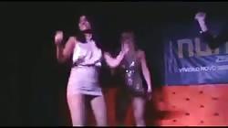 Magrinha vagabunda funk no palco